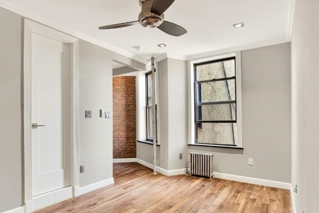 3 Bedrooms, Hell's Kitchen Rental in NYC for $4,738 - Photo 2