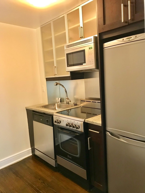 Studio, Lincoln Square Rental in NYC for $2,379 - Photo 2