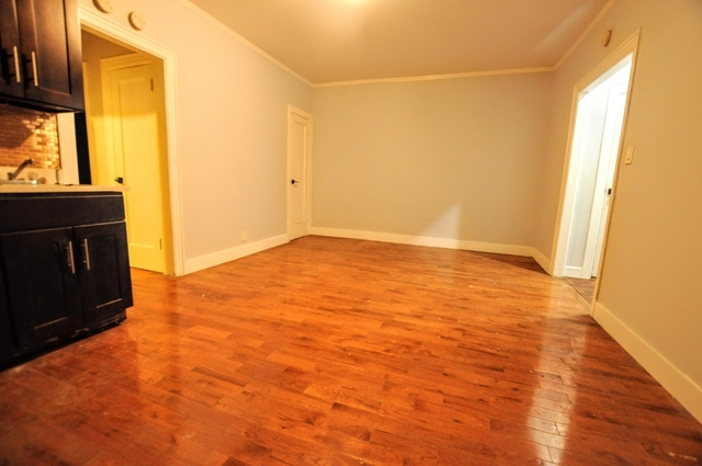 3 Bedrooms, Jackson Heights Rental in NYC for $2,300 - Photo 2