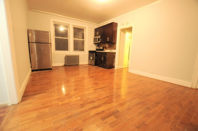 3 Bedrooms, Jackson Heights Rental in NYC for $2,300 - Photo 1