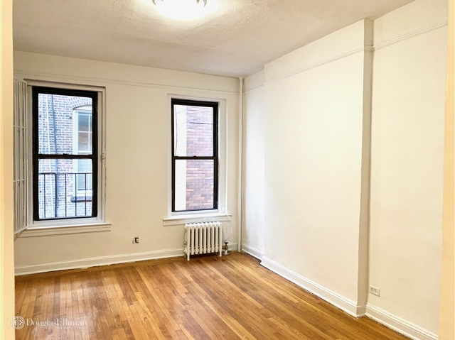 Studio at 237 East 58th St - Photo 1