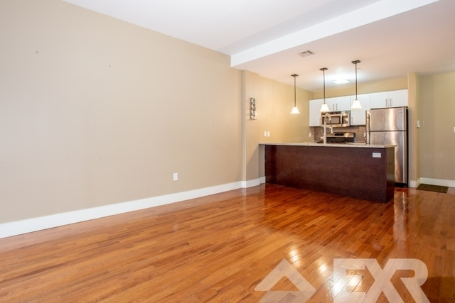 3 Bedrooms, East Williamsburg Rental in NYC for $4,049 - Photo 2
