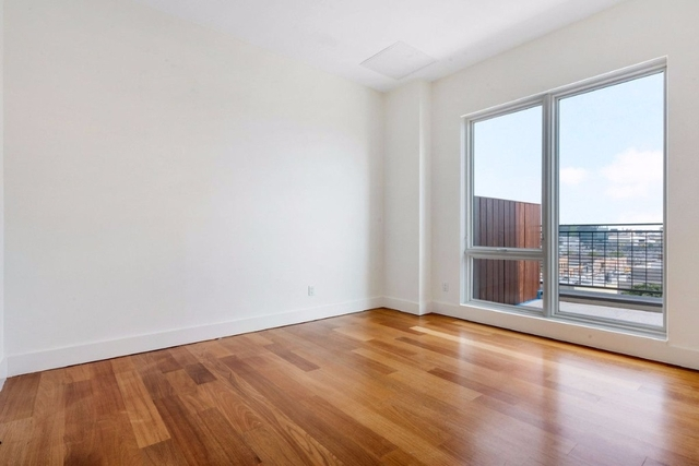 1 Bedroom, Greenpoint Rental in NYC for $2,890 - Photo 2