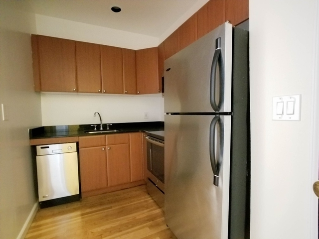 2 Bedrooms, West Village Rental in NYC for $4,925 - Photo 2