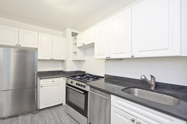 2 Bedrooms, Yorkville Rental in NYC for $4,075 - Photo 1