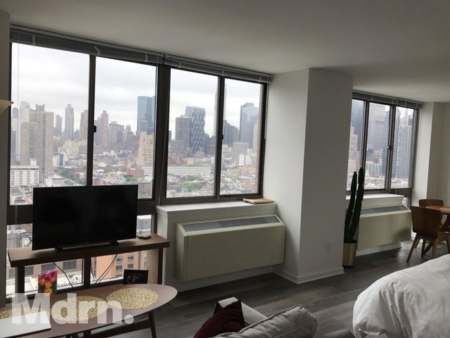 Studio, Hell's Kitchen Rental in NYC for $2,682 - Photo 1