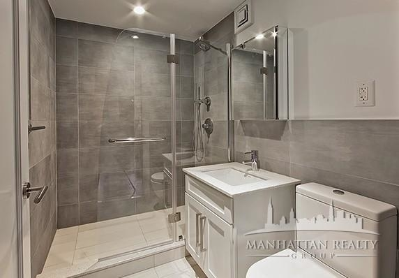 3 Bedrooms, Yorkville Rental in NYC for $5,530 - Photo 2