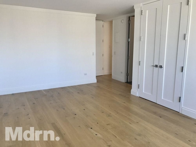 2 Bedrooms, Yorkville Rental in NYC for $6,489 - Photo 2