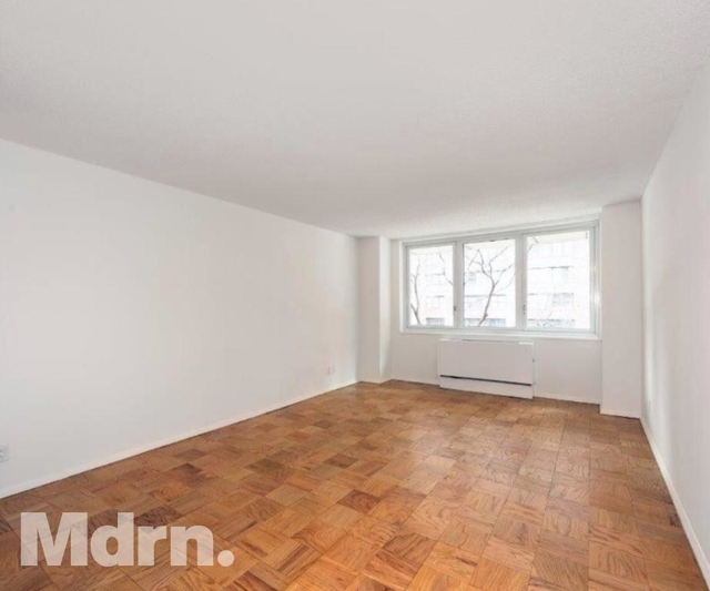 2 Bedrooms, Murray Hill Rental in NYC for $6,095 - Photo 2