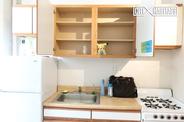 2 Bedrooms, Chelsea Rental in NYC for $2,810 - Photo 2