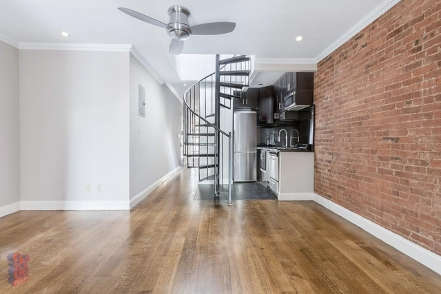4BR at Hell's Kitchen - Photo 1