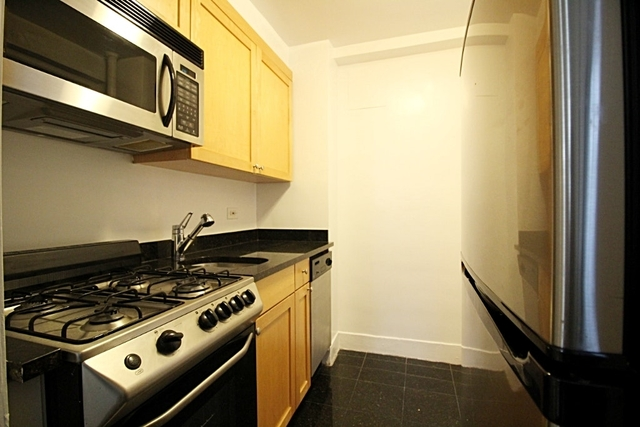 Studio, West Village Rental in NYC for $3,275 - Photo 2