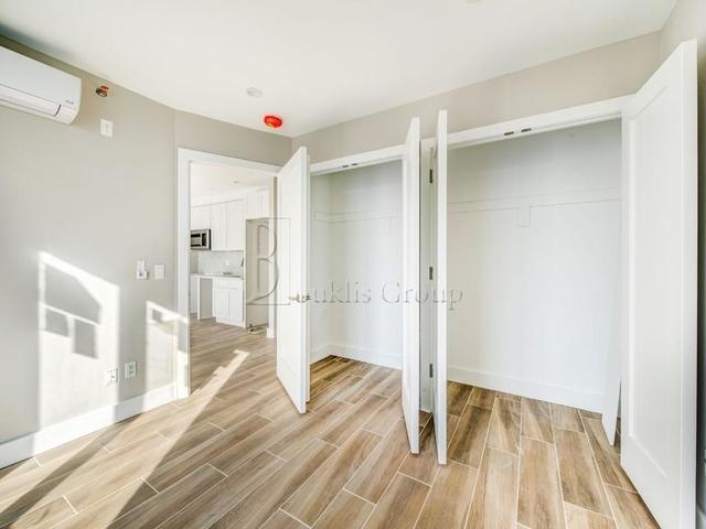 1 Bedroom, Astoria Rental in NYC for $2,400 - Photo 2
