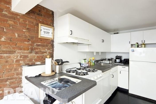 2 Bedrooms, Alphabet City Rental in NYC for $3,600 - Photo 2