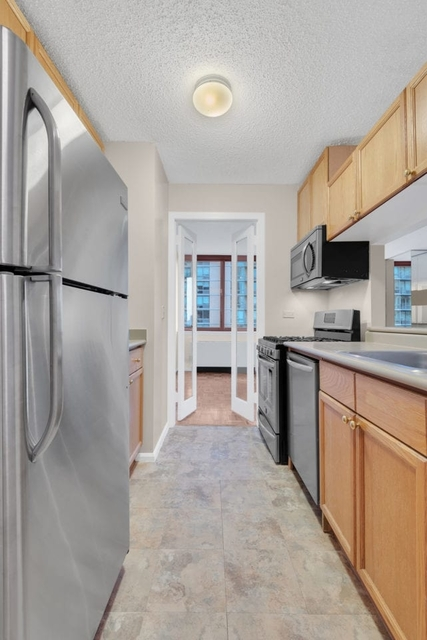 2 Bedrooms, Hunters Point Rental in NYC for $3,800 - Photo 2