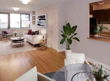3 Bedrooms, Turtle Bay Rental in NYC for $4,559 - Photo 2