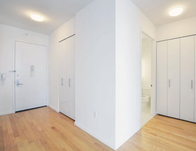 Studio, Hunters Point Rental in NYC for $2,290 - Photo 2