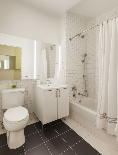 1 Bedroom, Financial District Rental in NYC for $3,830 - Photo 2