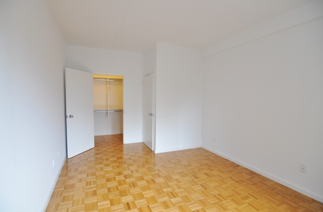 2 Bedrooms, Yorkville Rental in NYC for $4,753 - Photo 2