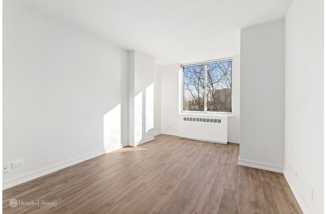2 Bedrooms, Yorkville Rental in NYC for $5,495 - Photo 2
