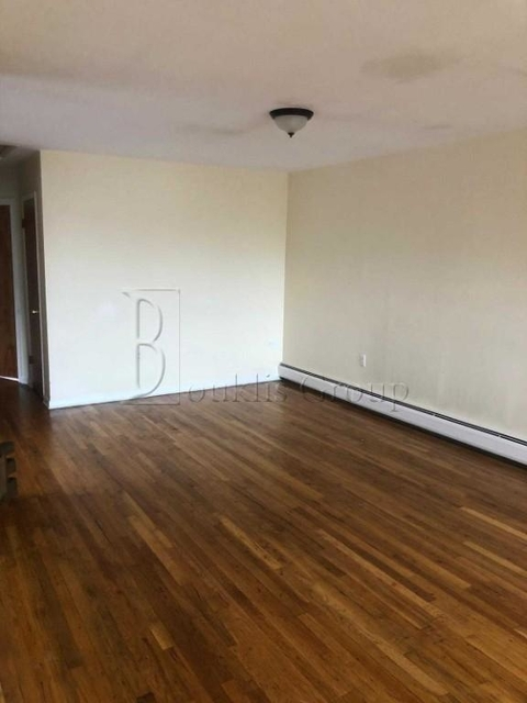 3 Bedrooms, Throgs Neck Rental in NYC for $2,200 - Photo 2
