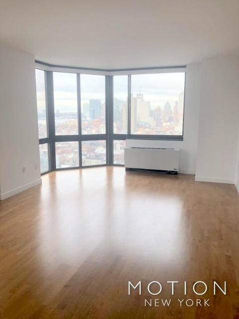3 Bedrooms, Hell's Kitchen Rental in NYC for $5,060 - Photo 1