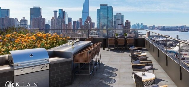 Room, Hell's Kitchen Rental in NYC for $1,714 - Photo 2