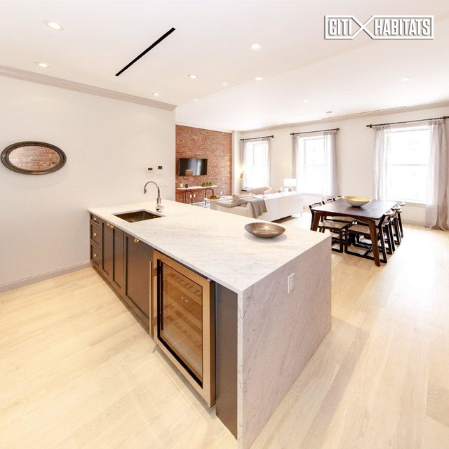 3 Bedrooms, Lenox Hill Rental in NYC for $8,900 - Photo 1