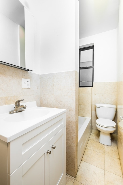 3 Bedrooms, Upper East Side Rental in NYC for $3,835 - Photo 1