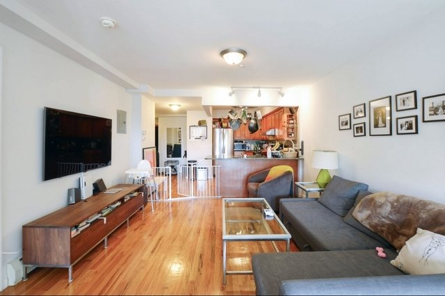 2 Bedrooms, Astoria Rental in NYC for $3,000 - Photo 1