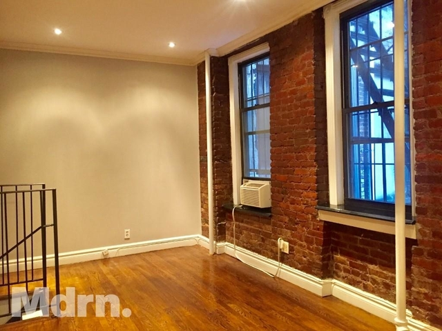 3 Bedrooms, East Village Rental in NYC for $4,649 - Photo 2