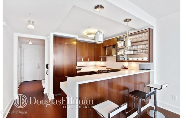 2 Bedrooms, Lincoln Square Rental in NYC for $9,300 - Photo 2