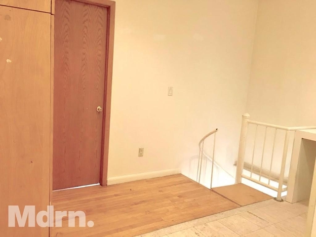 2 Bedrooms, Lincoln Square Rental in NYC for $2,995 - Photo 2