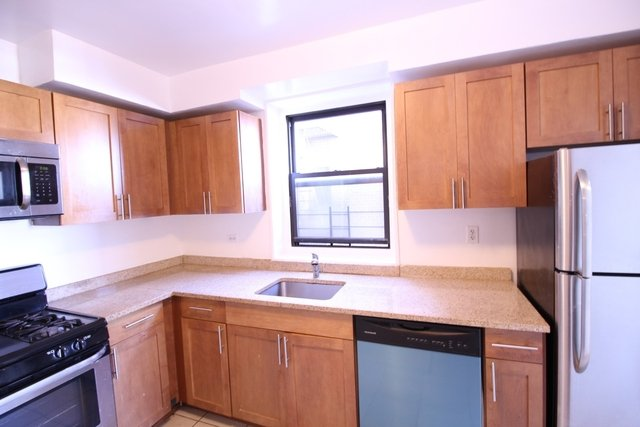 2 Bedrooms, Murray Hill Rental in NYC for $2,300 - Photo 1