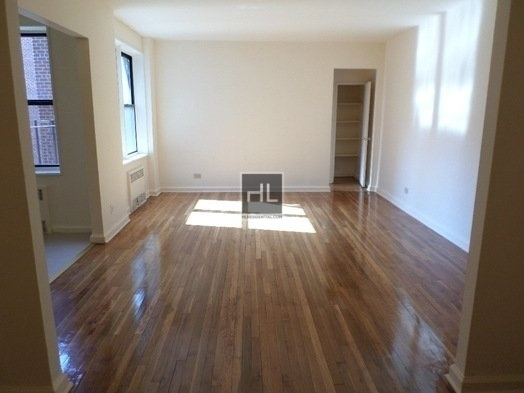 Studio, Jackson Heights Rental in NYC for $1,750 - Photo 2