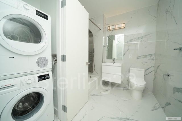 2 Bedrooms, Astoria Rental in NYC for $3,744 - Photo 2