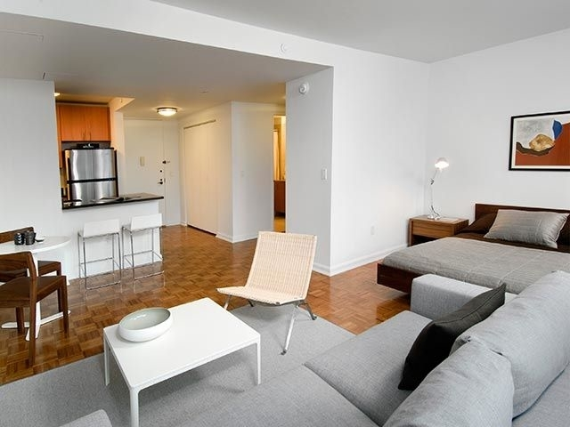 Studio, Hell's Kitchen Rental in NYC for $2,692 - Photo 2