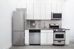 2 Bedrooms, Ridgewood Rental in NYC for $2,400 - Photo 2