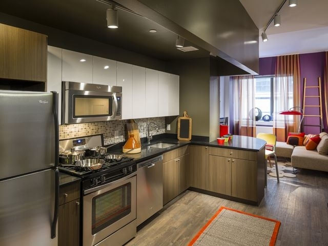 2 Bedrooms, Chelsea Rental in NYC for $6,090 - Photo 2