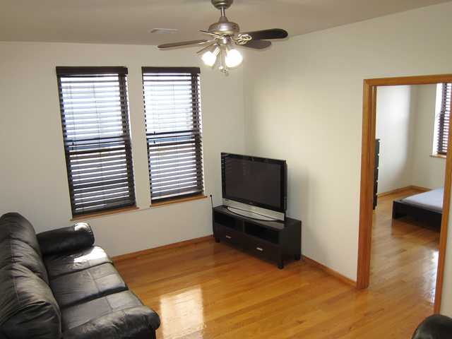 2 Bedrooms, Sunnyside Rental in NYC for $2,295 - Photo 2