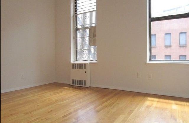 3 Bedrooms, Midtown East Rental in NYC for $3,795 - Photo 2