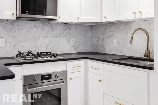1 Bedroom, Two Bridges Rental in NYC for $3,427 - Photo 2