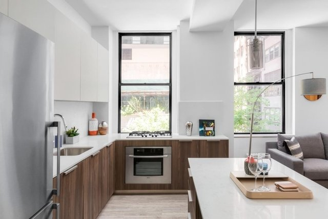 2 Bedrooms, Financial District Rental in NYC for $4,500 - Photo 1