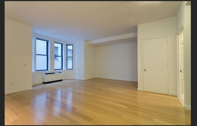 Loft, Financial District Rental in NYC for $3,150 - Photo 1