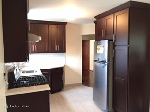 3 Bedrooms, Maspeth Rental in NYC for $2,300 - Photo 1