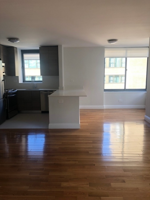 2 Bedrooms, Theater District Rental in NYC for $4,890 - Photo 2