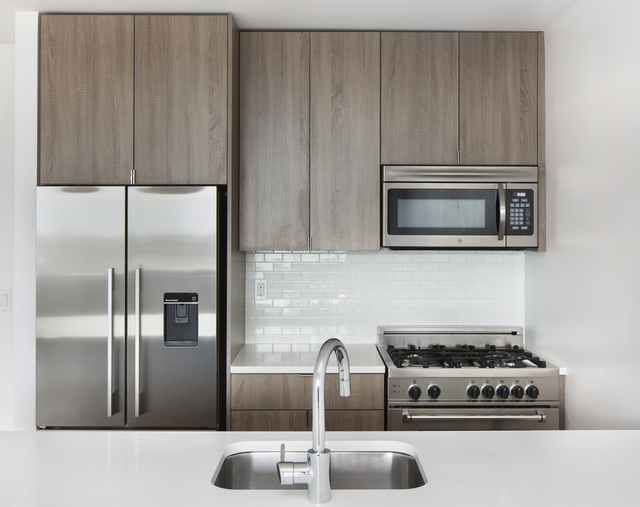 2 Bedrooms, Yorkville Rental in NYC for $3,677 - Photo 1