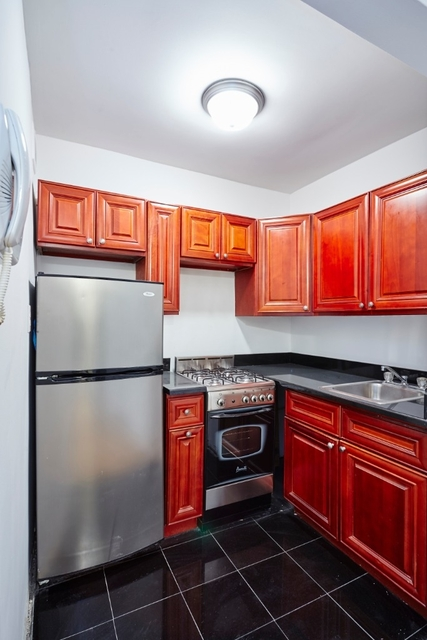 2 Bedrooms, SoHo Rental in NYC for $3,725 - Photo 2
