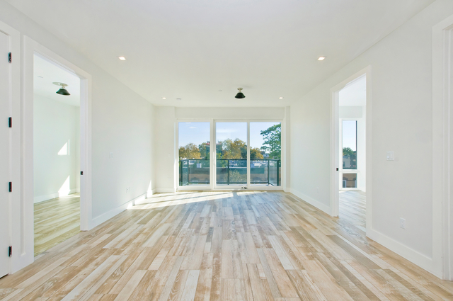 2 Bedrooms, Flatbush Rental in NYC for $2,800 - Photo 2