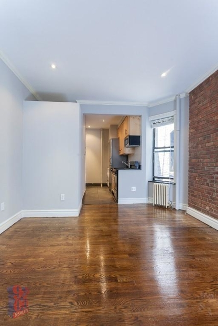1 Bedroom, West Village Rental in NYC for $3,153 - Photo 2